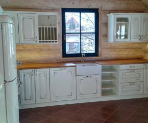 Kuchyně - srub Chuchelná